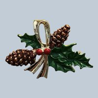 Vintage Gerrys Christmas Pine Cones Holly Pin