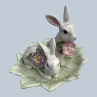 Retired Fitz And Floyd Classics Fauna And Flora Bunny Shaker Set With Leaf