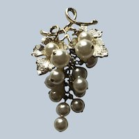Vintage Gold Tone Grape Pin With Cha Cha Beads