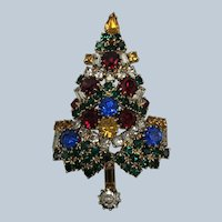 Unsigned Large Warner Rhinestone Christmas Tree Pin