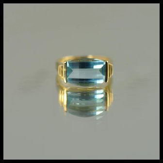 Blue Topaz Ring / 14k Yellow Gold