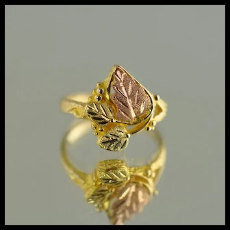 Black Hills Gold Leaf Ring / 10kt