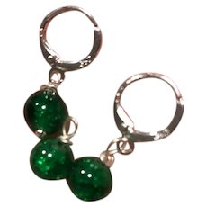 St. Patrick's Day Green Cracked Glass Crystal Pendant and Earrings