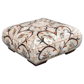 Mother of Pearl and Abalone Tulip Jewelry Box, Mid 20th Century