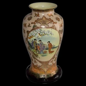 Large Chinese Porcelain Geisha Design Vase