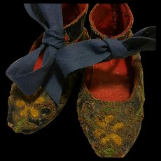 Rare Antique embroidered shoes for French and German dolls end 1800th