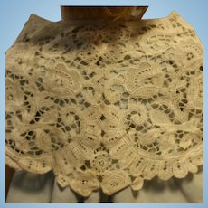 Beautiful Antique collar with flowers in cotton lace beige 1900 for antiques doll