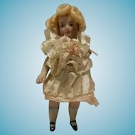 1900's All bisquit French Lady Mignonette lilliputens 2,75 inch