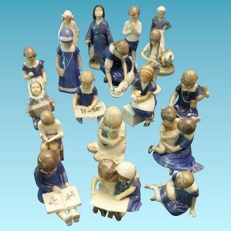 Royal  Copenaghen and Bing & Grøndhal lot 18 figurines