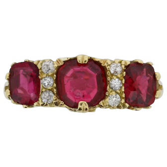 Late Victorian 2.40 Carat Ruby and Diamond Carved Shank Ring, c.1900s