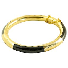 Vintage Natural Black Onyx and Gold-Plated Hinged Bangle Bracelet with Safety Chain