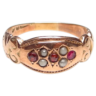 Antique Victorian 9K Gold Garnet and Pearl Ring