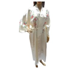 Vintage Chinese White Silk Embroidered Dressing Gown Robe, 1970's
