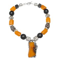 Art Nouveau Silver Embraces Golden Amber in Stunning Necklace