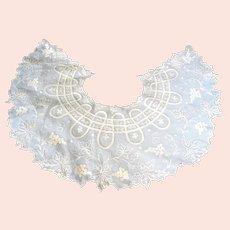 Antique Victorian Fine French White Lace Collar