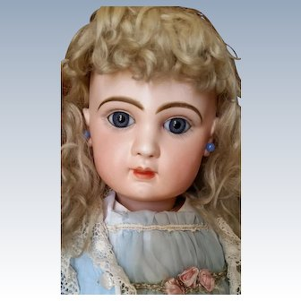Wonderful French Bisque Bebe Jumeau Closed Mouth Blue Eyes 26 inches