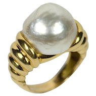 Christine Escher French Mabé Pearl 18ct Gold Ring circa 1995