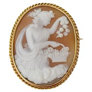 Fantastic quality antique cameo depicting Aurora or Eos (in Greek mythology), 1890-1900
