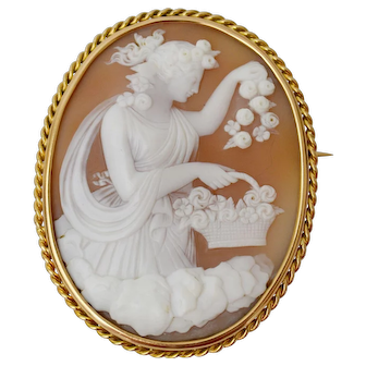 Fantastic quality antique cameo depicting Aurora or Eos (in Greek mythology), 1890-1900
