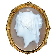 Superb quality antique cameo depicting Hera, the Queen of Gods, pendant in 18ct gold, 1850-60
