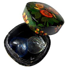Flowered Lacquerware Box With Glass Candy Kiss & Heart