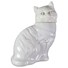 Avon Unforgettable Cologne In Milk Glass Cat Bottle