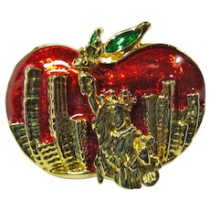 SALE! Vintage 1980s Big Apple New York City Brooch