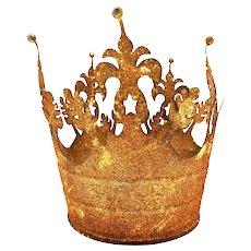 Repurposed Galvanized Bucket into a Crown