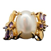 $2500 14k Yellow Gold Blister Pearl and Amethyst Ring