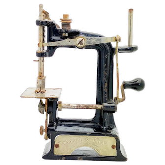 Antique Smith and Egge Automatic Collectors Sewing Machine circa 1897