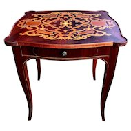 Italian Louis XV Style Side Table w/drawer