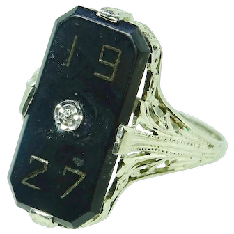 1927 ring 14K white gold with rectangle onyx diamond center