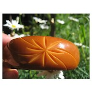 Vintage Thick Chunky Carved Cut Back Delicious Caramel Bakelite Bangle