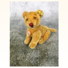 Steiff's smallest fully jointed lion cub