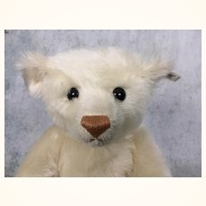 Vintage 1989 white mohair Steiff teddy bear with working growler