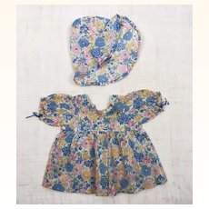 Vintage adorable flowered print dress for composition doll