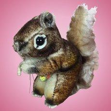 """Steiff's smallest """"Perri"""" mohair squirrel"""