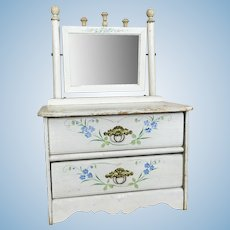 Vintage small painted dresser, 1940's and fabulous