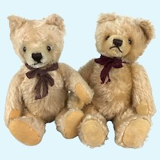 Pair of child-safe mohair teddy bears