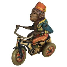 """Vintage Arnold Lithographed Tin Toy Wind up Monkey """"Bobby"""" 1940's"""
