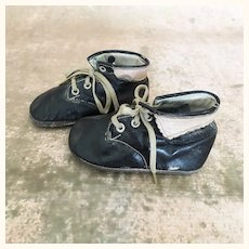 Adorable vintage leather children's shoes