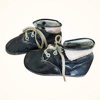 Adorable vintage leather children's shoes