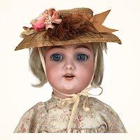 Wonderful Handwerck girl, Model 109