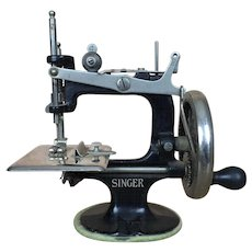 Antique Miniature Singer Sewing machine in original box