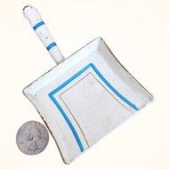 Antique Märklin tin enameled shovel or dustpan
