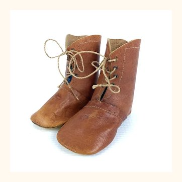 Lovely leather doll boots