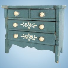 Vintage Tynietoy dollhouse dresser painted blue and white