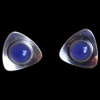 Kupittaan Kulta 925 Sterling Silver Modernist Screw on Earrings with Chalcedony