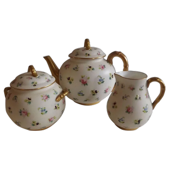 Wonderful Royal Worcester 3 Piece Tea Set with Teapot, Cream and Sugar
