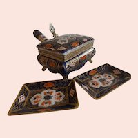 Antique Imari Palette Silent Butler with Pair of Small Dishes